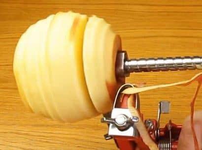 Способ использования яблокочистки Apple Peeler
