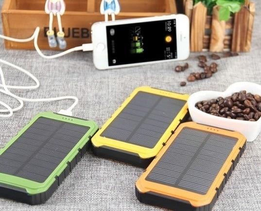 Зарядка для телефона PowerBank с солнечной батареей