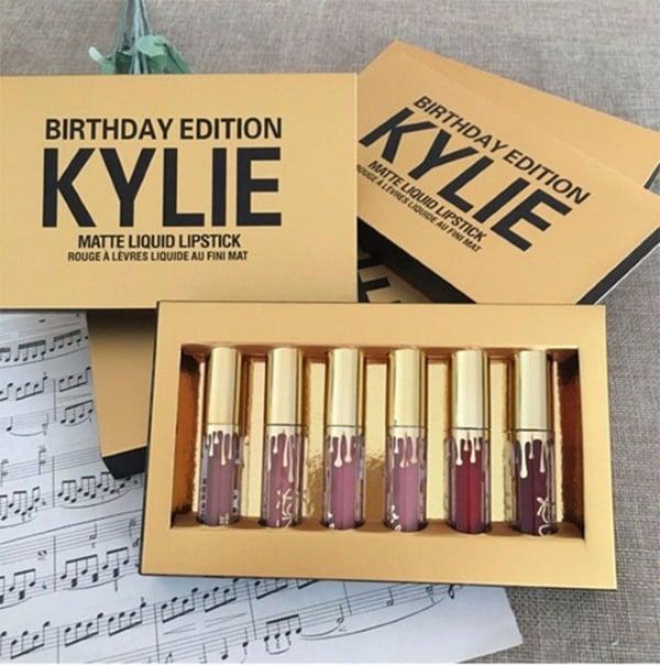 Первый взгляд на набор помад Kylie Jenner Birthday