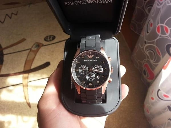 Внешний вид часов Emporio Armani Sportivo в коробке