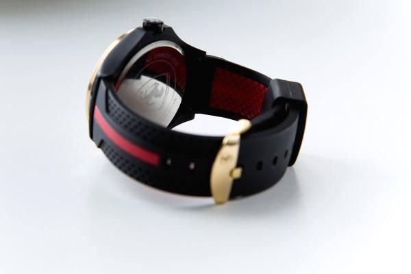 Часы Ferrari вид сзади