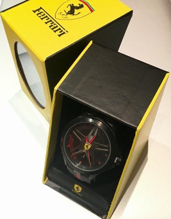 Обзор основных параметров аксессуара-часов Ferrari