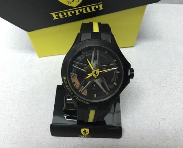 Дизайнерское оформление циферблата часов Ferrari
