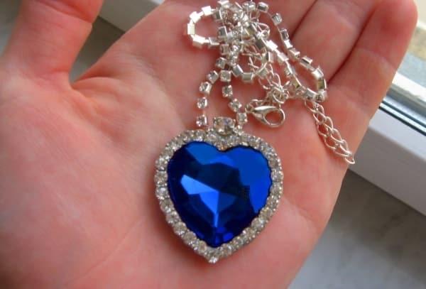 Внешний вид ожерелья «Сердце Океана»