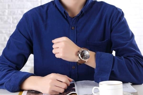 часы Megir Relogio Masculino на руке