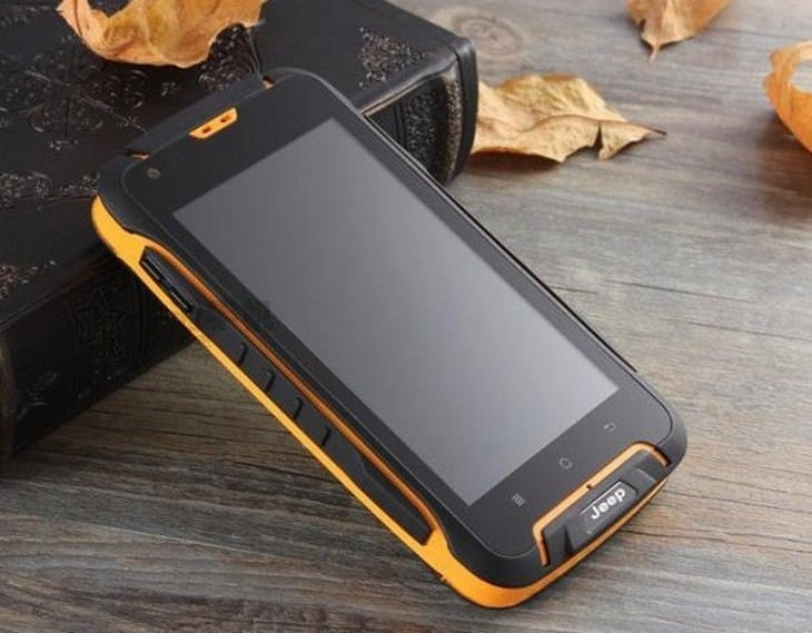 Защищенный смартфон Jeep F605