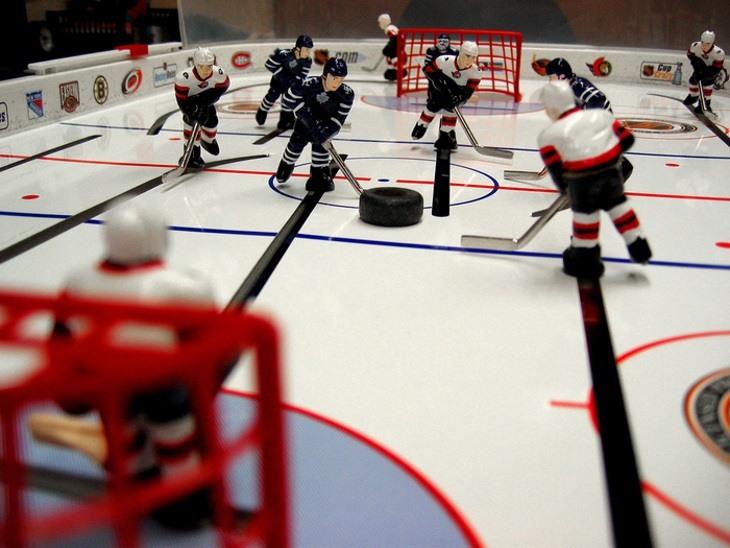 Чем аэрохоккей Hover Hockey отличается от обычного хоккея