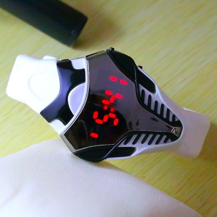 Новая модель часов Iron Cobra