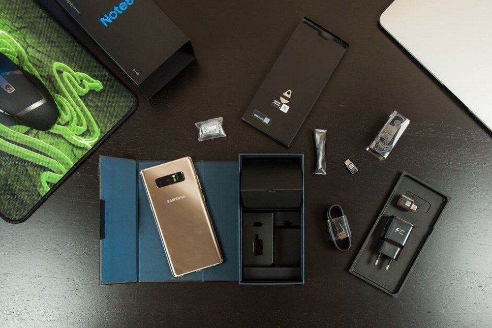 Что входит в комплект реплики Samsung Galaxy note 9