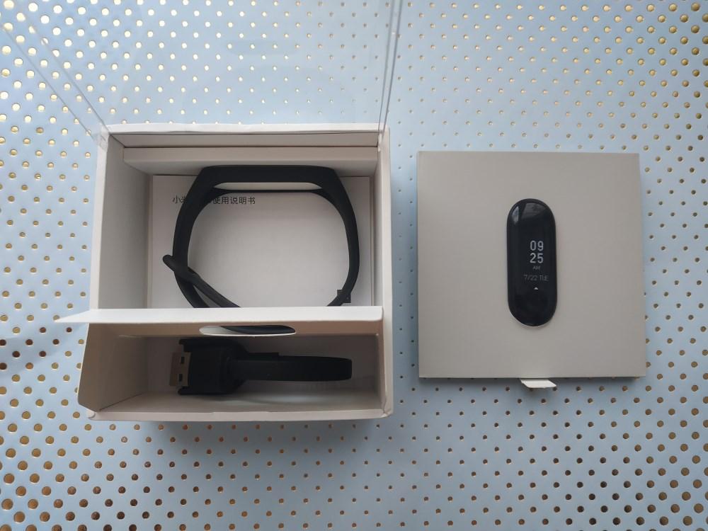 Упаковка и комплектация Xiaomi Mi Band 3