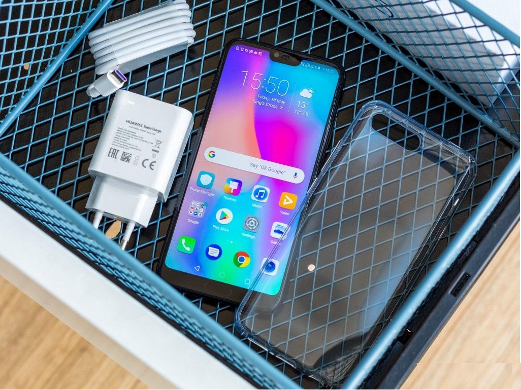 Что входит в комплект точной копии Huawei Honor 10
